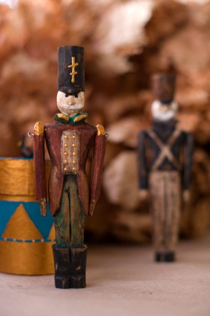Деревянный солдатик на новый год